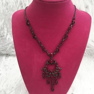 Silhouette Trends | Red rhinestones necklace set